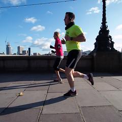 in sync (mjwpix) Tags: fitness runner lycra victoriaembankment canonefs1022mmf3545usm insync canoneos70d michaeljohnwhite mjwpix