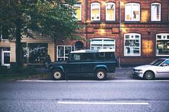 Land-Rover Defender (Highlights of a Low Life) Tags: germany deutschland 28mm gr landrover ricoh ricohgr kiel vsco vscofilm