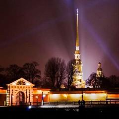#spb #architecture #citylights #night #city #санктпетербург #соборпетраипавла #петропавловка #заячийостров #instapiter #петропавловскаякрепость