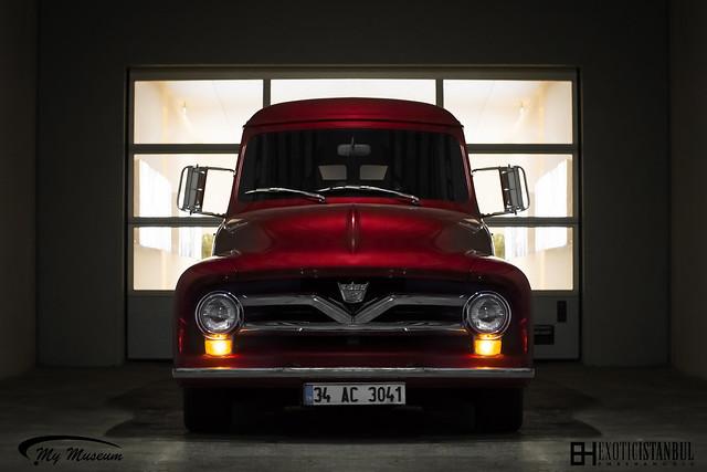 light red ford truck vintage vintagecar f150 istanbul exotic american v8 emre f350 americancar cengiz mymuseum ata?ehir egzotik exoticistanbul artam arclassic istanbulexotic emrehanoglu emrehano?lu egzotikistanbul