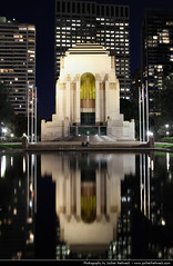 ANZAC War Memorial reflection @ Night, Sydney, Australia (JH_1982) Tags: park new light reflection building luz monument water pool wales architecture night dark lights noche memorial war shrine glow darkness nacht lumire south bruce sydney australia landmark hyde nsw glowing australien remembrance hoff nuit notte dunkel anzac beleuchtung rayner australie     beleuchtet leuchten         dellit sdney