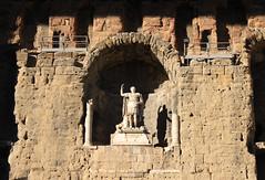 statue of Augustus 1st century AD - Thtre antique d'Orange (raffaele pagani) Tags: orange france canon paca unescoworldheritagesite unesco francia vaucluse romantheatre 1stcenturyad provencealpesctedazur patrimoniodellunesco thtreantiquedorange statueofaugustus ancienttheatreoforange