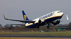 EI-DWX (Ken Meegan) Tags: dublin boeing ryanair 737 b737 737800 boeing737800 boeing737 b737800 33630 boeing7378as 7378as b7378as eidwx 1522015