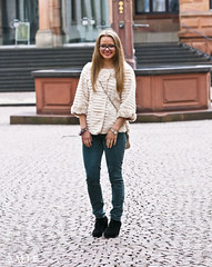 _MG_0101 (mrs_fedorchuk) Tags: street portrait woman girl beautiful fashion canon germany europe frankfurt streetphotography gucci jeans beautifulgirl luda weisbaden ludmila gucciglasses furjacket canoneos450d fashinphotography