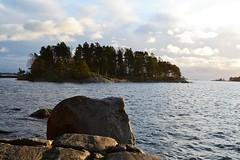 Nuottasaari island (seen from Niemenapaja, Uutela recreation area, Helsinki; 20111126) (RainoL) Tags: november autumn sea finland geotagged island helsinki balticsea u helsingfors fin vuosaari uusimaa uutela nyland 2011 201111 20111126 geo:lat=6019488900 geo:lon=2516752800