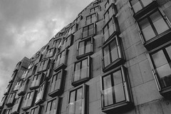 06 (marcopiras1991) Tags: city berlin design architecture blackandwhite vintage building mirror urban street highstreet photography bianco e nero monocromo architettura edificio allaperto grattacielo window finestre windows reflex composition sky