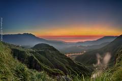 () (szintzhen) Tags: sky mountain sunrise taiwan photomerge     taipeicity    sunglow