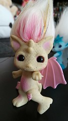 gargirl3 (meimi132) Tags: zelfs zelf series6 cute adorable trolls gargirl gargoyle yellow pink stone wings