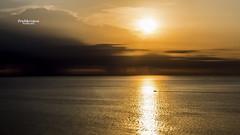 Aube dore (Tra Te E Me (TTEM)) Tags: lumixfz1000 photoshop raw aube bateau soleil leverdusoleil lever mer sky boat sun sea morning dor golden extrieur paysage landscape