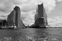 P1060118 (lychee_vanilla) Tags: port harbour hamburg hh hafen elbe hanse hansestadt maritim