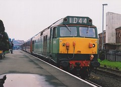 """Mock British Railways Two-Tone Green Class 50, D444 """"Exeter"""" (37190 """"Dalzell"""") Tags: br britishrailways twotone green ee englishelectric type4 vulcanfoundry hoover class50 d444 exeter 50044 dieselgala svr severnvalleyrailway kidderminster"""