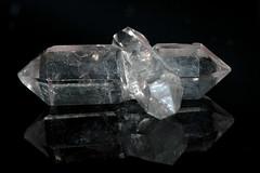 Twinned Quartz, Sichuan, China (rmk2112rmk) Tags: china macro crystal mineral geology sichuan quartz si02 twinnedquartz