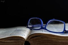 Noms per llegir (ancoay) Tags: glasses book library books read gafas stillife libros ulleres llibres canon600d ancoay