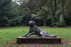 Liegender Hund (toto_26) Tags: stadtpark hamburg germany de denkmal