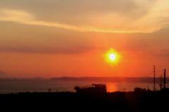 Neapolitan Sunset (amber654) Tags: italy italia campania naples napoli neapolitan sunset evening sundown glow bayofnaples texture textured silhouette water ocean sea tyrrheniansea sun
