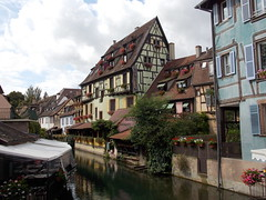 Colmar, France (Shaun Smith-Milne) Tags: colourfulbuildings frencharchitecture alsacelorraine frenchcanal frenchcanals canal canals colmar france