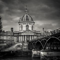 Le Pont des Arts et l'institut de France (francoisb78) Tags: paris nb france pontdesarts canon 6d