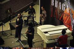Braga Jazz Walk 6 - Chakraborty (6) (jazzuality.com) Tags: nouveau chakraborty indonesianjazz bandungjazzcommunity komunitasjazzbandung bragajazzwalk starvoicesindonesia andrearizky bragajazzwalk06 jazzindonesia risngstarindonesia jazzbandung