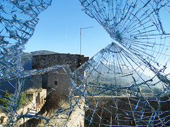 Split (Marco Di Fabio) Tags: city sky italy panorama tower castle window glass clouds ventana europa europe italia nuvole torre view hole ciudad pg foro crack finestra ciel cielo nubes crepe maggiore split cracks mirada cristal stronghold fortress castello perugia middleages castillo assisi lanscape rocca umbria vidrio rotto città fissure medioevo vetro cristallo fortezza fissures rift crepa comune roccamaggiore rifts plit rajadura rajaduras frammentato