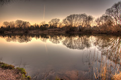 Sonnenuntergang (PLADIR) Tags: sun lake berlin landscape mirror see wasser sonnenuntergang sundown sony sonne spiegelung hdr sonya57