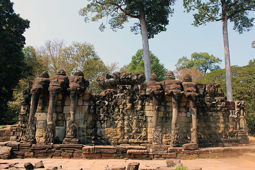 The elephant field in Angkor Thom (Chetra Chap, 2013).