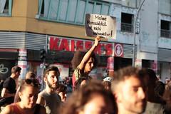 Black Lives Matter- Demo in Berlin, Juli 2016 (bsdphoto) Tags: demonstration protest demo berlin politik blacklivesmatter rassismus solidaritt schwarze blackcommunity peopleofcolor farbige kottbussertor kotti kreuzberg kaisers menschlichkeit deutschland deu