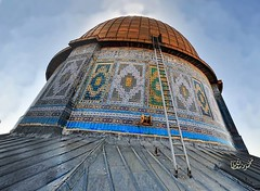 The Dome of the rock close up (TeamPalestina) Tags: heritage beautiful architecture sunrise hope amazing photographer sweet palestine jerusalem domeoftherock blockade ramadan freepalestine alaqsa palestinian occupation goldendome  oldcityjerusalem landscapecaptures