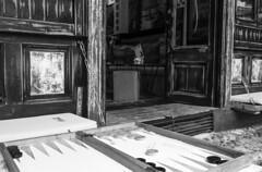 Backgammon, Old market Sarajevo (Riccardo Nobile Photos ) Tags: street wood old white black blanco town market top sarajevo bosnia negro games olympic neighbor mercato backgammon riccardo d600 bobsleigh nobile