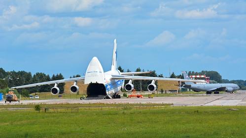 VDA Antonov An-124-100 RA-82068
