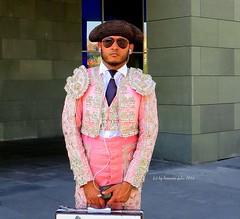 Torero...Bilbao Bizkaia. (lameato feliz) Tags: torero bilbao bilbo traje