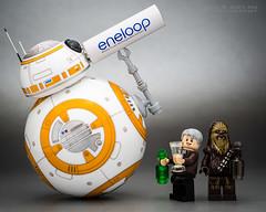 BB-8 : T.G.I.F Bottom's up! (Randy Santa-Ana) Tags: bb8 spherobb8 sphero starwars theforceawakens lego legostarwars legominifigures legohansolo legochewbacca tgif recharge