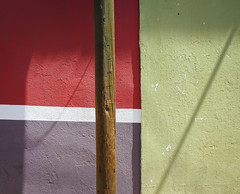 Tertiary Tryst (Maria Sciandra) Tags: minimal shadows unusualcolorcombinations colonialmexico mariasciandraphotography mexico sanmigueldeallende wwwmariasciandracom fujifilmx100