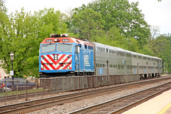 The Once Standard Metra Motive Power on the Raceway (craigsanders429) Tags: metratrains metra metrastations riversideillinoismetrastation riversideillinois chicagorailroads f40phm2 metraf40phm2 bnsfracewayinchicago bnsfchicagoraceway tracks railroadtracks passengertrains passengercars