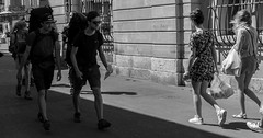 Rue Arles (pbuniva) Tags: 01paysages 03photos 07france arles bouchesdurhone photographiederue provencealpescotedazur urbain ville