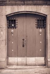 DoorSeriesHorsesMexico84SanMiguelDeAllende (Zzzzt!Zzzzt!) Tags: door doorseries sanmigueldeallende mexico 1984 street streetphotography