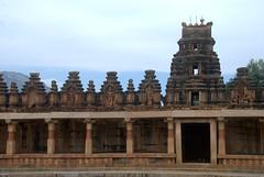 Te corridor surrounding the Kalyani (VinayakH) Tags: bhoganandeeshwaratemple karnataka india temple nandihills chikkaballapura chola ganga hoysala tipusultan religious historic