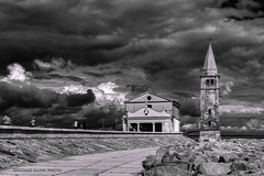 Caorle #2 (filippi antonio) Tags: caorle veneto italy italia biancoenero blackandwhite paesaggio paesaggiourbano landscape cityscape clouds nuvole chiesa church sky cielo madonnadellangelo hdr