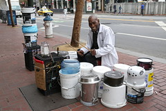 Larry the Bucketman (Maurits van den Toorn) Tags: sanfrancisco usa bucket music musician streetview people drumming marketstreet