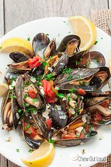 Mussels in Lemon But (alaridesign) Tags: mussels lemon butter wine sauce