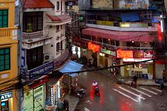 The Streets of Hanoi (Vietnam) (PhotonenBlende) Tags: city houses people urban rain misty d50 nikon asia asien strasse menschen vietnam stadt neonsign bluehour colourful hanoi stress farbig regen swarm steet regnerisch häuser städtisch leuchtreklame tamronsp gewimmel sagobar