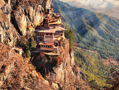 tigers nest monastery (xtremepeaks) Tags: bhutan tigersnest takhsang paro monastery asia buddhist cliffs himalayas mountains cloud rays sunset forest