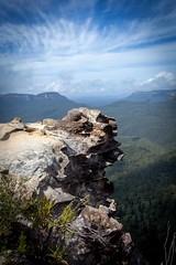 Over the Edge (jotxam) Tags: australia australien ausenaufnahme berge blaueberge bluemountains canon downunder ef2890mmf456 hochformat landscape landschaft nsw newsouthwales oz outdoor wald bedeckt bewlkt cloudy forest mountains vertical wideangle