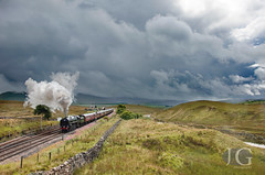 Britannia No. 70013 'Oliver Cromwell' - Blea Moor With The Fifteen Guinea Special (Jonathon Gourlay) Tags: