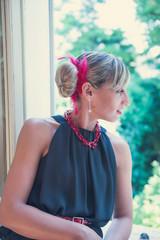 Linda (Fiore Nino) Tags: colors moda donna ragazza ritratto faccia bionda nero rosso