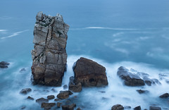 Los Urros (Philippe Saire || Photography) Tags: canon eos 5d mark iii ef 1740mm f4l usm nature paysage landscape seascape eau water mer sea ocean losurros urro elmanzano liencres cantabrie cantabria espagne spain espaa costa quebrada pierre rock rocher stone long exposure wideangle jete shore cte coast shoreline littoral coastline hoya nd400 cokin p121s gnd8 heure bleue blue hour ciel sky nuages clouds horizon vague wave cliff falaise photo photography fullframe ff pleinformat philippesaire