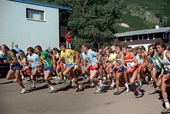 3e-032 (ndpa / s. lundeen, archivist) Tags: street summer people color film race 35mm centennial colorado nick july running numbers runners durant aspen july4th 4thofjuly runner 1980 1980s 100thbirthday bibs dewolf 3e durantave nickdewolf photographbynickdewolf 18801980 fivemilerace aspenglo eastdurant reel3e aspencentennial aspenglofive