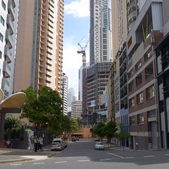 Howard Street, central Brisbane (tanetahi) Tags: brisbane city cbd cityscape buildings highrise towers towerblocks centralbusinessdistrict citycentre riversidecentre australia tanetahi