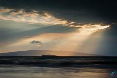 Sunburst at Polo Beach (aaronvonhagen) Tags: travel sunset hawaii golden mark iii maui 5d goldensunset cloudporn travelphotography mauiwowie skyporn 5dmarkiii aaronvonhagen aaronvonhagenphotography