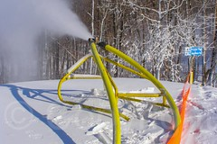 Snowmaking at Mountain Creek Ski Resort, Vernon, New Jersey (jag9889) Tags: winter usa snowboarding newjersey skiing unitedstates unitedstatesofamerica nj guns vernon 2008 gardenstate intrawest mountaincreek sussexcounty snowmaker y2008 20080123 07462 zip07462 jag9889