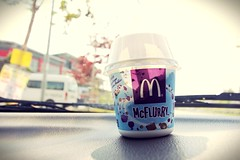 what the hot weather !!! #MCflurry oreo (kokwei0402) Tags: mcflurry